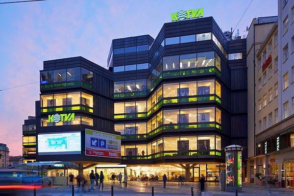 Obchodní domy a nákupní centra